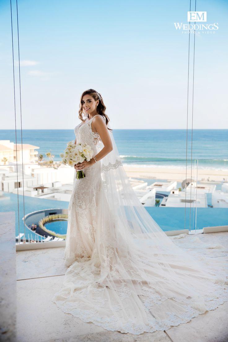 Tina&Omid, congratulations! Getting ready at Mar adentro, Los Cabos. #emweddingsphotography #loscabos #destinationweddings