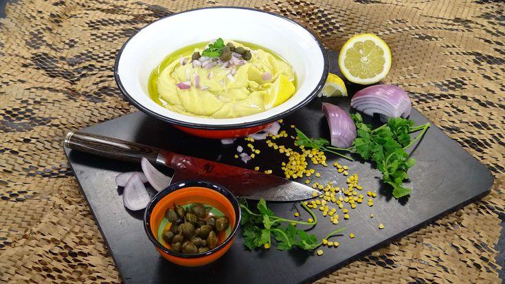 Φάβα από την Αργυρώ Μπαρμπαρίγου   Η πιο αφράτη και ελαφριά φάβα που φάγατε ποτέ! Απλά φανταστική!