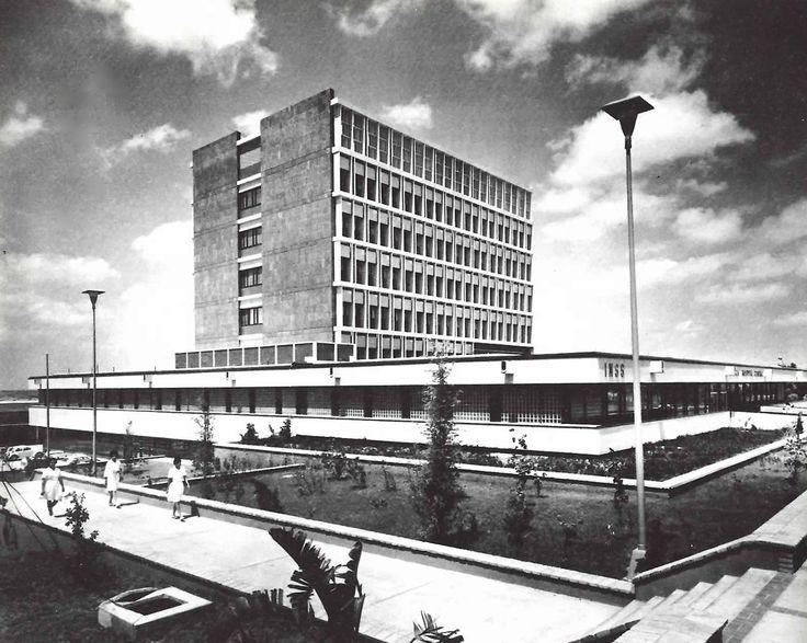 Vista de conjunto, Clínica - Hospital General del IMSS (hoy UMF # \33), Bulevar Miguel Hidalgo esq. Praxedis Balboa, Ciudad Reynosa, Tamaulipas, México 1966 Arq. Guillermo Ortiz Flores con Arqs. Julio...