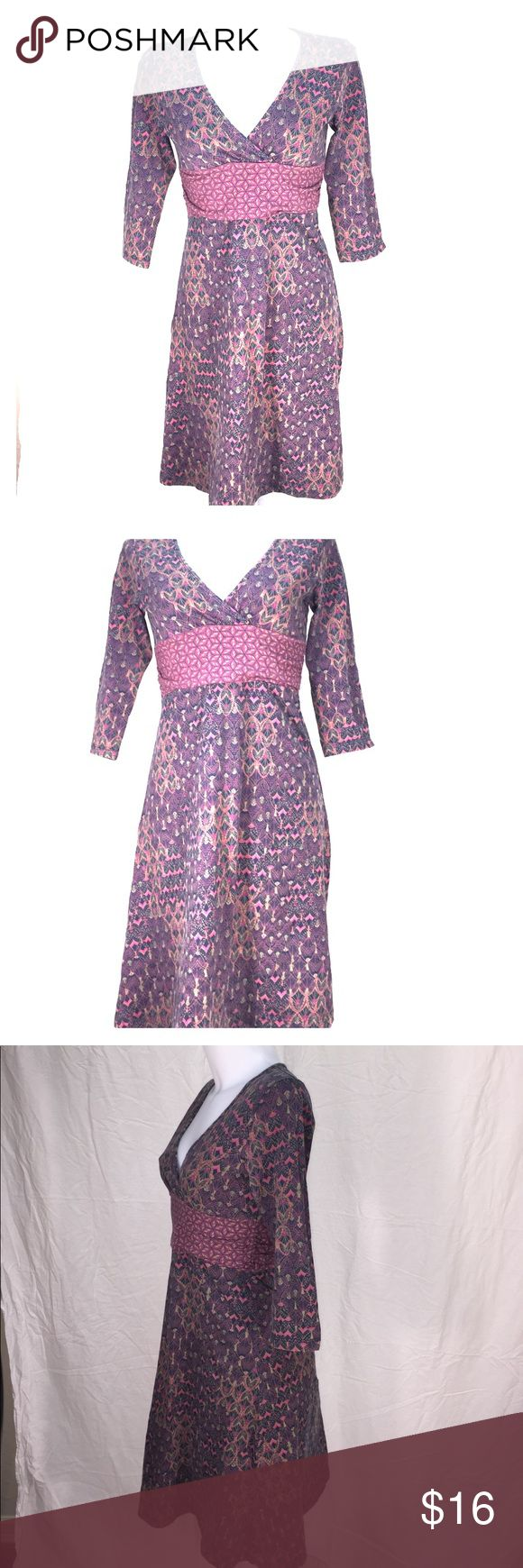 Purple and Pink Pattered Patagonia Dress Medium This pullover Stretch Patagonia dress is so comfortable. Size medium and gently used. Patagonia Dresses Midi
