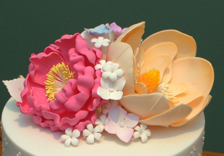 Open Peony, Magnolia, Hydrangea (wired), Filler Flowers