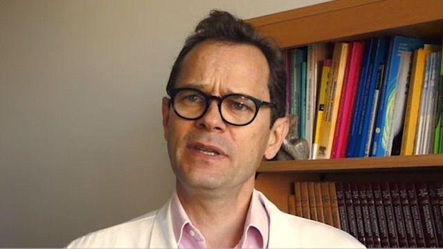 Interview du Dr Gilles Grangé, gynécologue obstétricien à la Maternité Port Royal, Paris.  Pour plus d'informations sur l'appareil : https://www.echoworld.ch/echographe-ultra-portable-sonoscanner-ulite/