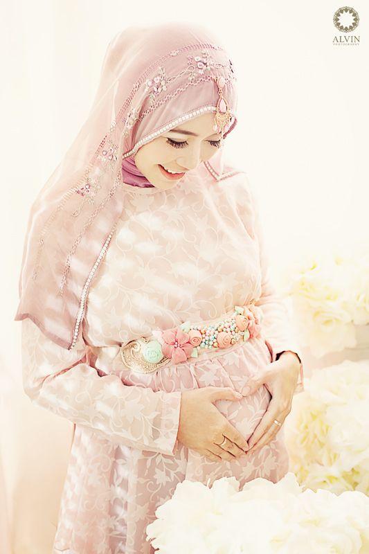 #maternity #maternityphotography #pregnancy #pregnancyphotography #teddybears #vintagephotography #shabbychic #nursery #babiesroom #fashion #pregnancydress #photostudio #yogyakarta #maternityphotographysemarang