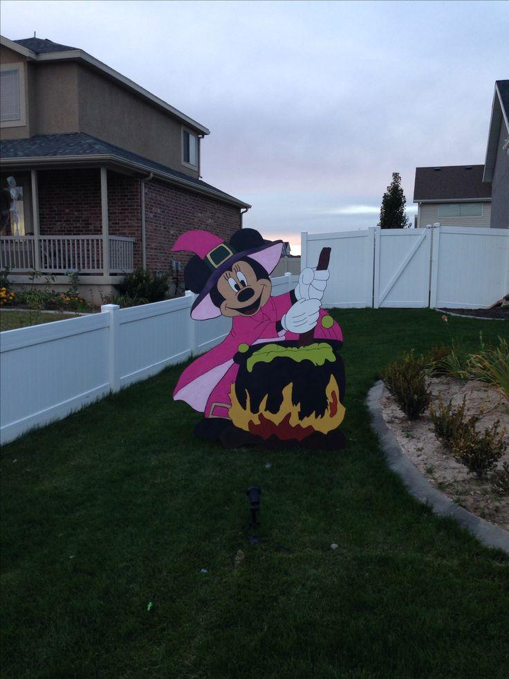 Disney yard art @Kathryn Whiteside Whiteside York @Adam M M York @Gaby Saucedo Saucedo Robbins This one's for you guys!