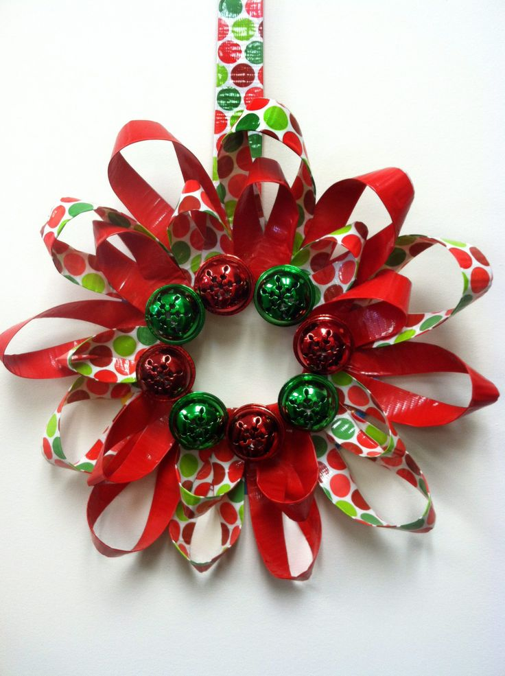 Patterned and plain duct tape mix to create a mod wreath. For instructions, click the pic.
