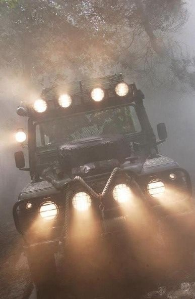 Land Rover Defender.....love the lights