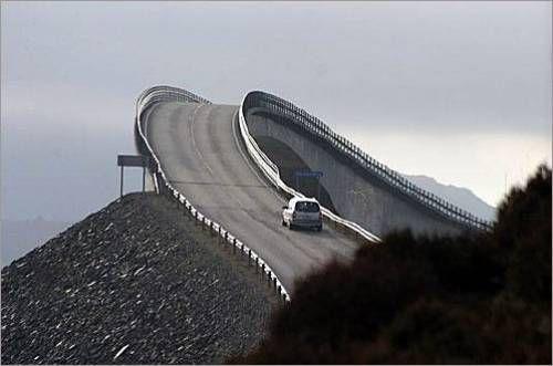 .: The Roads, Danger Roads, Favorite Places, Scary Roads, Driving, Roads Trips, Amazing Bridges, Beautiful Street, Wind Roads