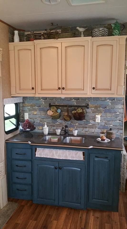 Bottom cabinets...Benjamin Moore Advanced in Mozart Blue w ...