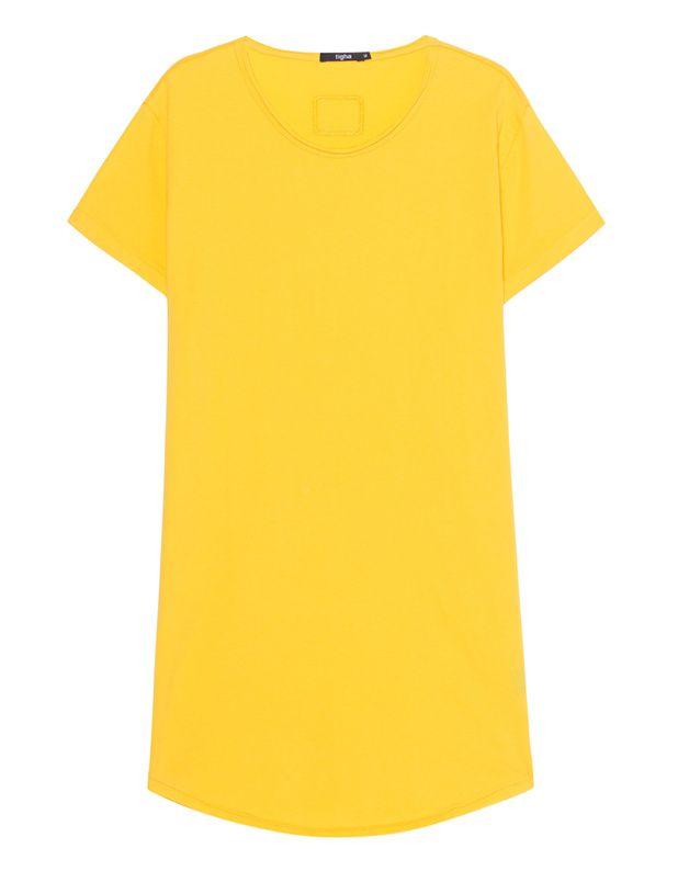 Längeres Baumwoll T-Shirt Gerade und länger geschnittenes Baumwoll-T-Shirt in strahlendem Gelb und in cleanem Look mit aufgerollten Säumen, abgerundetem Saum und Rundhalsausschnitt.  Ob im Club oder auf der Straße: Wer einmal Tigha für sich entdeckt hat, kann nicht mehr ohne; vor allem in cooler Kombi mit Destroyed Denim und Vintage-Lederjacke!