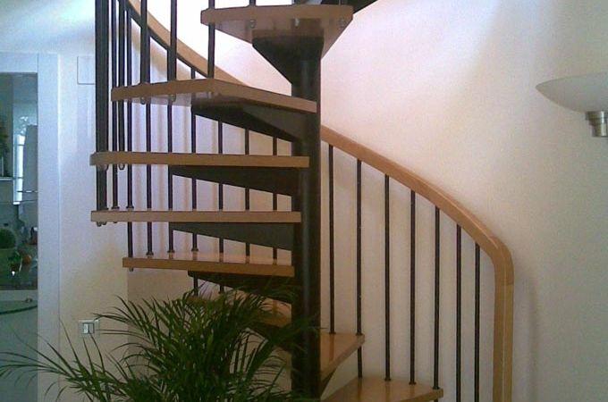 17 mejores ideas sobre escalera caracol en pinterest for Escaleras voladas de madera