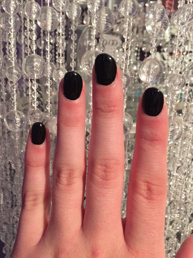 Black round acrylic nails
