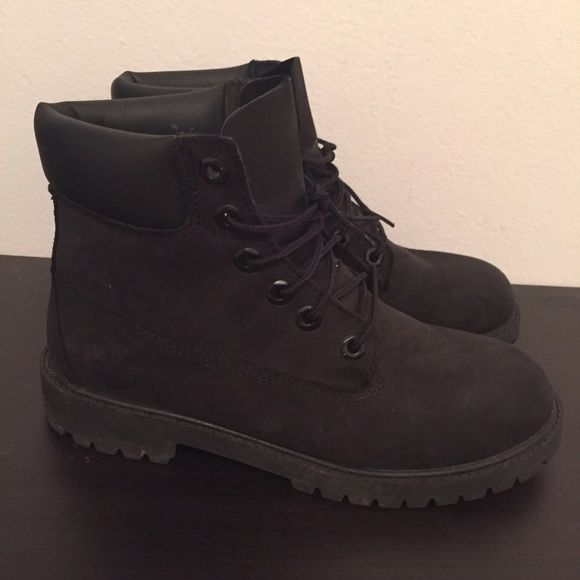 Women's Black Timberland Boots Classic black timberland boots. Only worn twice! Comes in original box. Comfy & clean. Perfect for winter! Timberland Shoes Lace Up Boots