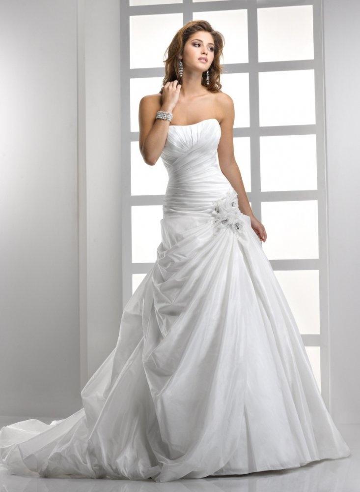 A-line Liebsten geraffte Mieder Blumen Akzent fallen gelassen Taille Taft Hochzeit …   – Hochzeitskleider