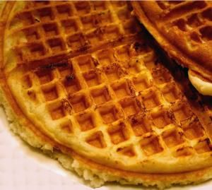 The quintessential waffle house waffle recipe! Perfect for weekend mornings, and these can be frozen for later in the week too. - Waffle House Waffles