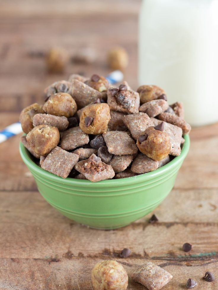 Four delicious muddy buddies (or puppy chow) recipes including chocolate-chip cookie dough, hazelnut-nutella muddy buddies, lemon cheesecake muddy buddies, and a single-serving size recipe for muddy buddies. So back again today with 4 more Muddy Buddies recipes! If you missed yesterday's post I featuredtriple chocolate brownie muddy buddies, confetti cake batter muddy buddies, and sugar...Read More »