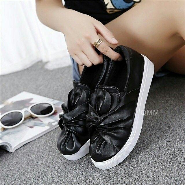$21 ==> $19 - Black 3D Wrappin'! #slipon #onlineshop #oli_oddie