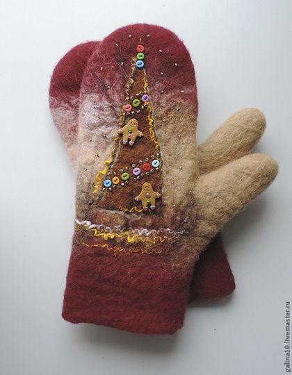 Варежки, митенки, перчатки ручной работы. Ярмарка Мастеров - ручная работа варежки  елочка с пряничными человечками. Handmade.