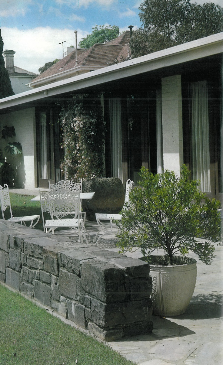 Garden furniture for your mid century home grass trees for Landscape design adelaide south