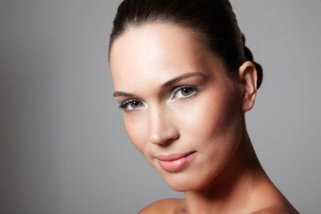 Confira passo a passo para uma maquiagem leve para o verão - http://bagarai.com.br/confira-passo-a-passo-para-uma-maquiagem-leve-para-o-verao.html