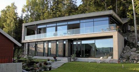 Futuristisk stil i betong, glass og stål på Rykkinn.