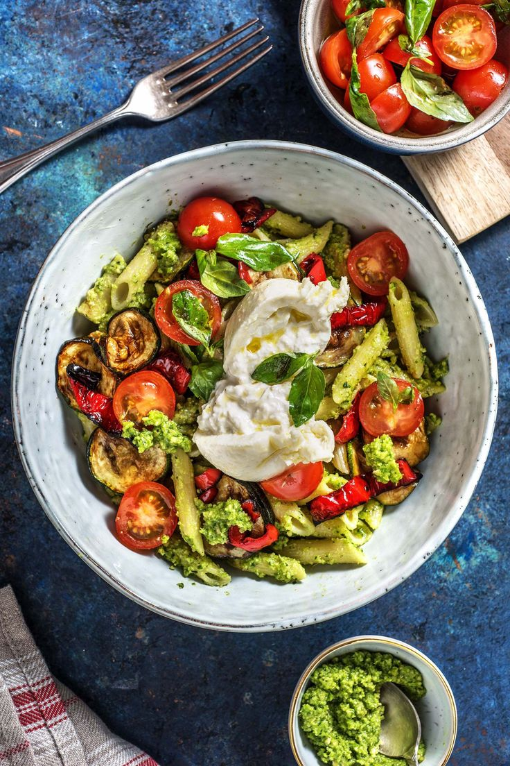 Italian Pasta Bowl with Burrata Homemade Antipasti Vegetables & Basil Pesto   – Einfach selber machen   Kochen lernen