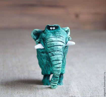 Слон Малахит - зелёный,слон,слоник,смешной подарок,авторская игрушка,прикольная игрушка