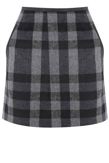 Good things come in small packages... just like our adorable checked winter mini skirt. The piece features a textured effect across the fabric and has a pu trim around the waistline and double pockets. The skirt is finished with an exposed zip fastening on the reverse.