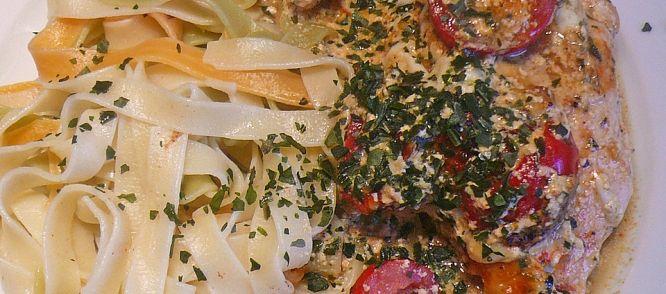 Smullen: Malse Kipfilet In Romige Italiaanse Saus recept | Smulweb.nl