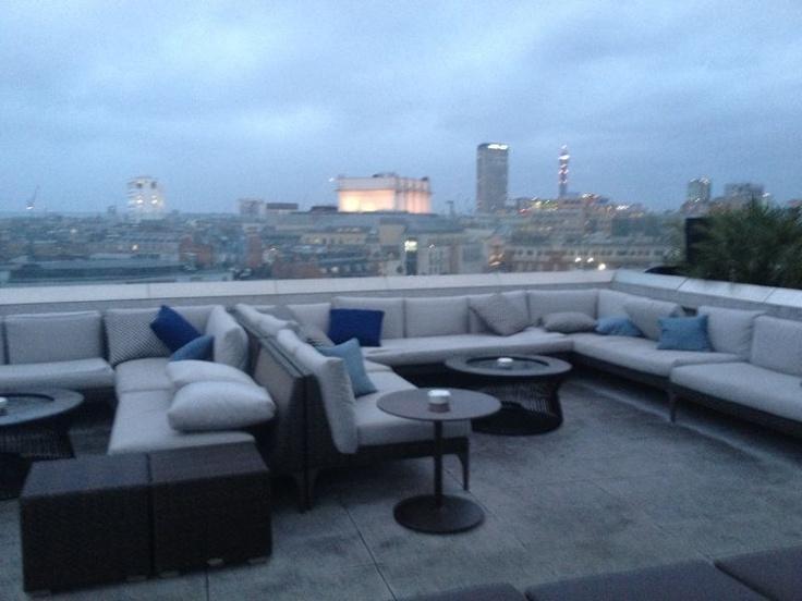 Me Hotel London Bar