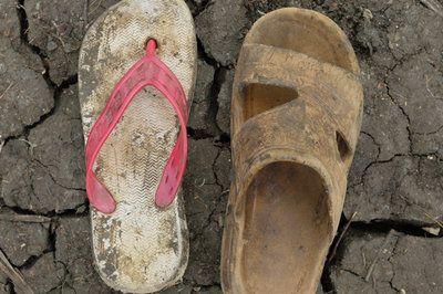 Shannon Jensen photos of Sud Sudan refugees shoes