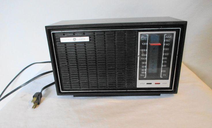 Vintage GE General Electric AM FM Radio Walnut Table Top Model 7-4120A Working #GE