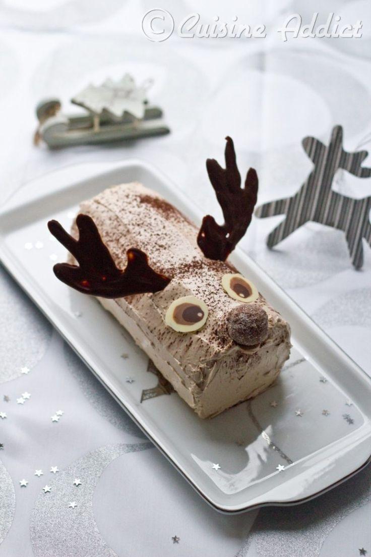 Une délicieuse bûche à la crème au beurre légère chocolat et praliné, décorée façon renne de Noël.
