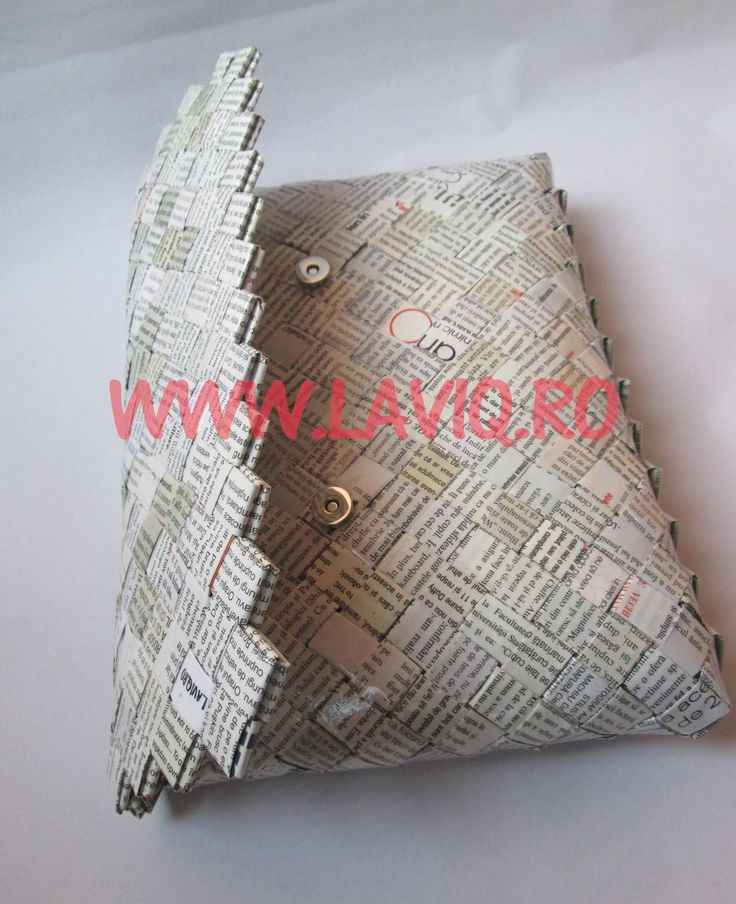 GEANTA ECO ZIAR CLAPA DREPTUNGHI - model candy wrapper bag, cu decupaje din reviste, rezistenta la umezeala ,prindere magnetica, captuseala, lucrata manual, potrivita pentru tinute de zi si de seara — at www.laviq.ro.