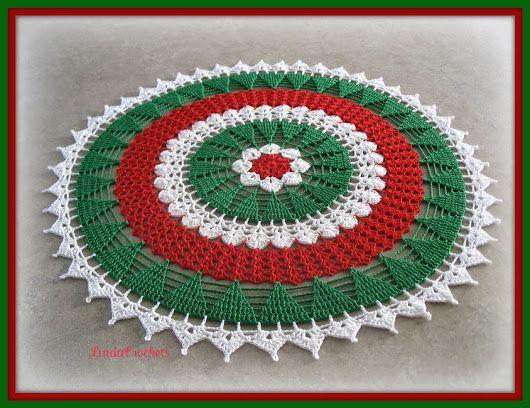 Linda Crochets: Christmas Tree Doily