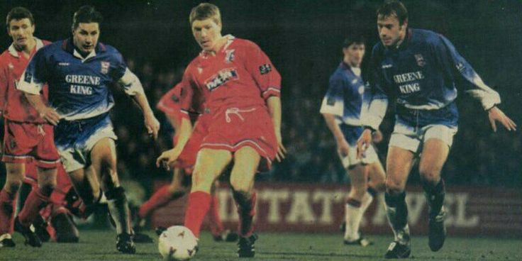 Ipswich Town 1 Gillingham 0 in Nov 1996 at Portman Road. Steve Butler passes for the Gills in the League Cup 4th Round.