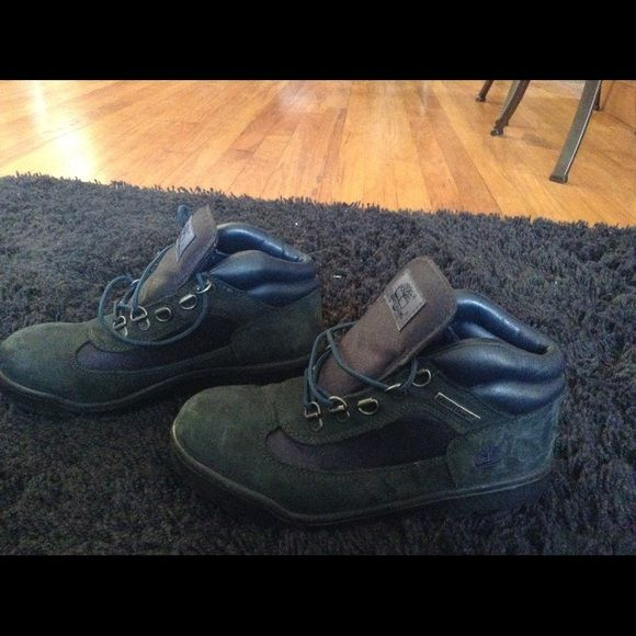 BLUE TIMBERLAND BOOTS! Blue Timberland in excellent condition.  Hardly worn.  Had for many years, but I have too many boots.  Clearing out my collection. Timberland Shoes Lace Up Boots