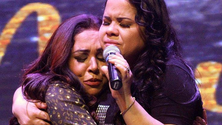É De Arrepiar! Rose Nascimento e Cassiane cantam juntas e são tomadas pela glória de Deus - YouTube