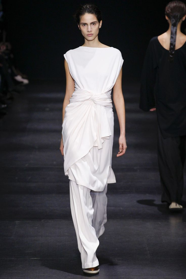 Ann Demeulemeester Autumn/Winter 2014 Ready-To-Wear Collection | British Vogue