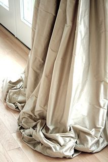 .love the pooled draperies: Design Room, Living Rooms, Silk Curtains, Silk Draping, Puddl Curtains, Curtains Fabrics, Puddl Drapery, Window Treatments, Curtains That Puddl