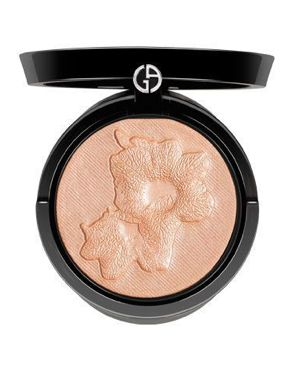 MUA in the city: IL BEAUTY MUST-HAVE: LE POLVERI LUMINOSE #beauty #makeup #makeupartist #giorgioarmani #armani #armanibeauty #giorgioarmanibeauty #blog #muainthecity #mua