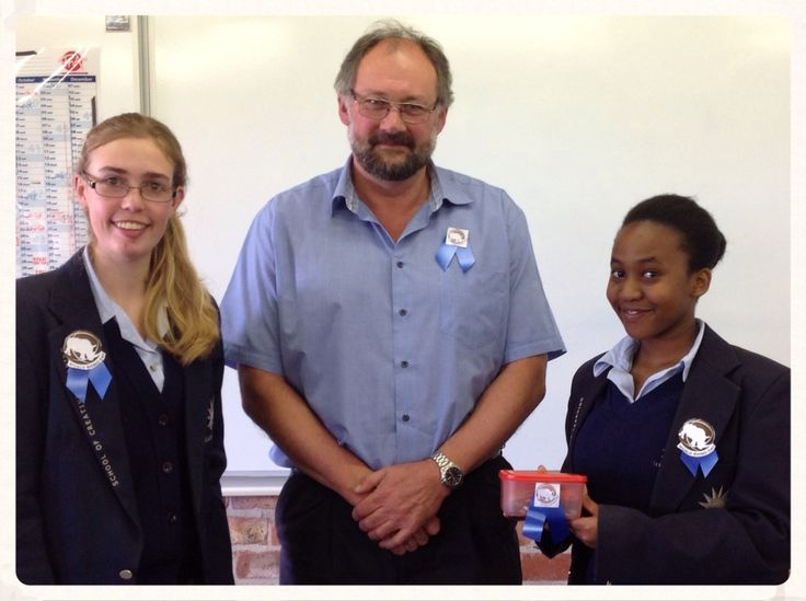For Wold Rhino Day high school pupils sold badges to raise funds for donations to the NGO on behalf of Elkanah House's contribution towards this iconic cause. They raised R 875,00 in donations.