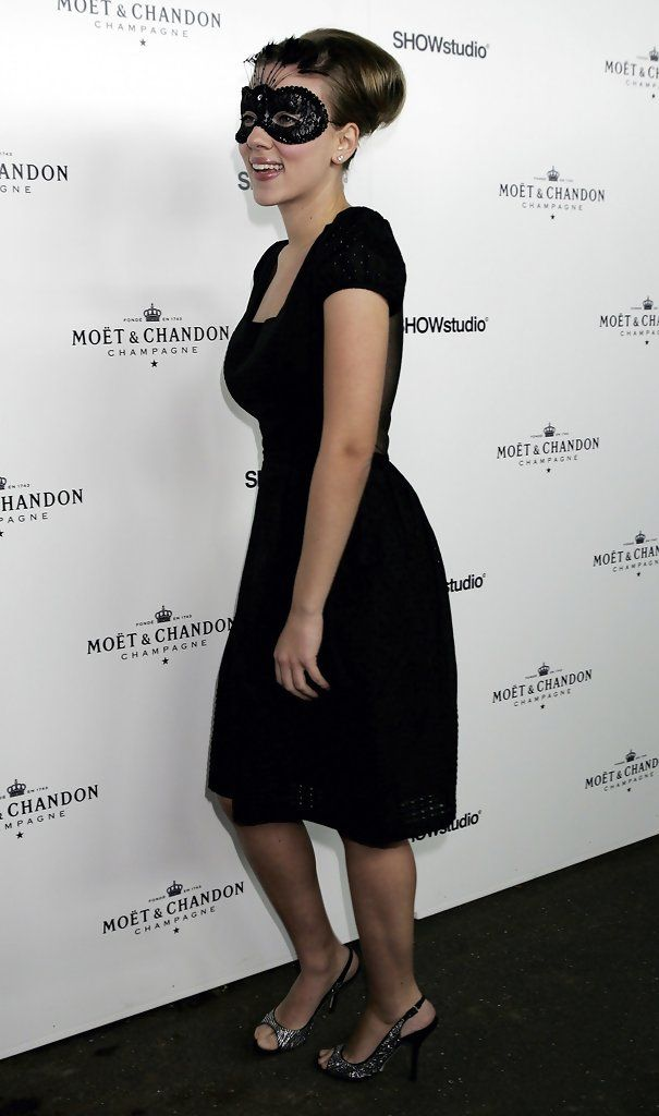 Scarlett Johansson ...... Johansson has appeared in other successful films, such as Christopher Nolan's The Prestige (2006), the historical drama The Other Boleyn Girl (2008) and the ensemble romantic comedy He's Just Not That into You (2009).