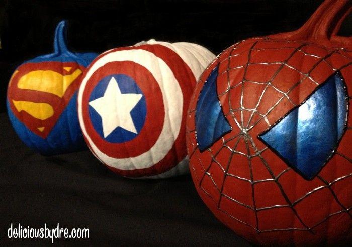 Superhero pumpkins; Captain America, Superman, Spiderman, Green Lantern, Batman... A nerdy Halloween