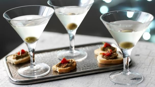 Butter-wouldn't-melt Sophie Dahl adds olive brine to this classic combo of vodka and vermouth to dirty up her Martini.