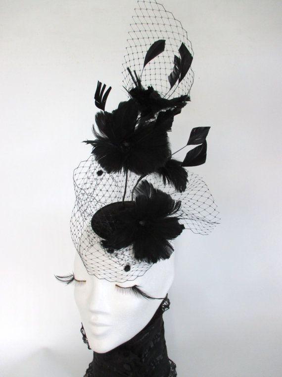 Black Feather flower Fascinator Royal Ascot Hat von KopfTraeume
