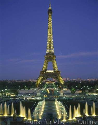 Eiffelturm, Bauwerke