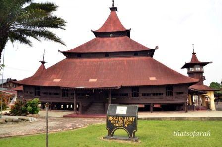 Masjid Jami' Berdiri Tegap di Negeri Serambi Mekah Riau, Tepatnya di Desa Tanjung Berulak, Air Tiris, Kabupaten Kampar. Masjid ini......