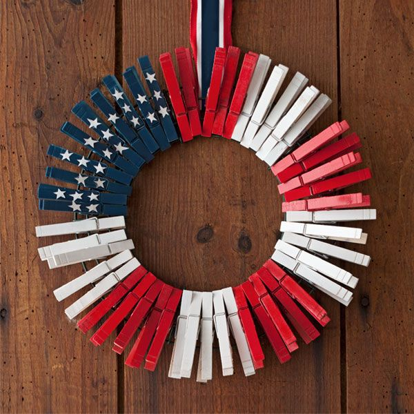 Patriotic Holiday: Show your patriotic pride or honor our armed services this holiday season with a nice dash of red, white and blue. Respectful and colorful, these ideas make a nice tribute.
