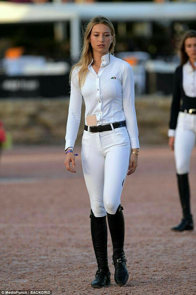 Pin By Giza On Jeans Riding Outfit Equestrian Chic Equestrian Outfits