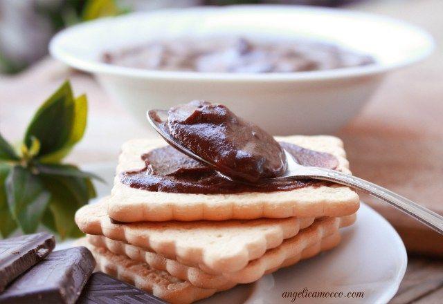crema al cioccolato vegan e senza glutine